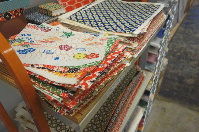 ユーアーツでは様々な「友禅紙」「型染紙」を<br>取り揃えています。